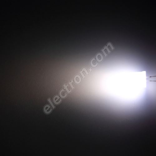 LED 10mm Cool White Color 2000mcd/50° Diffused Lens Hebei 105XW7D