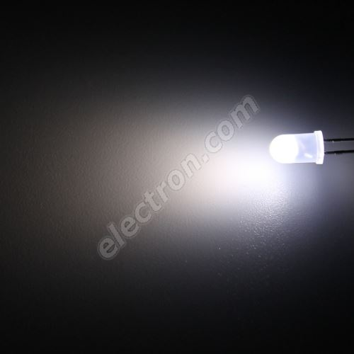 LED 5mm Cool White Color 4000mcd/70° Diffused Lens Hebei 560PWD